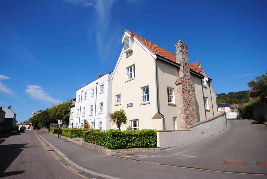 1 Bedroom Retirement Property for sale in The Pennings, St Marys St, Axbridge, BS26