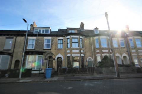 2 bedroom flat to rent - Dover Street, HU3