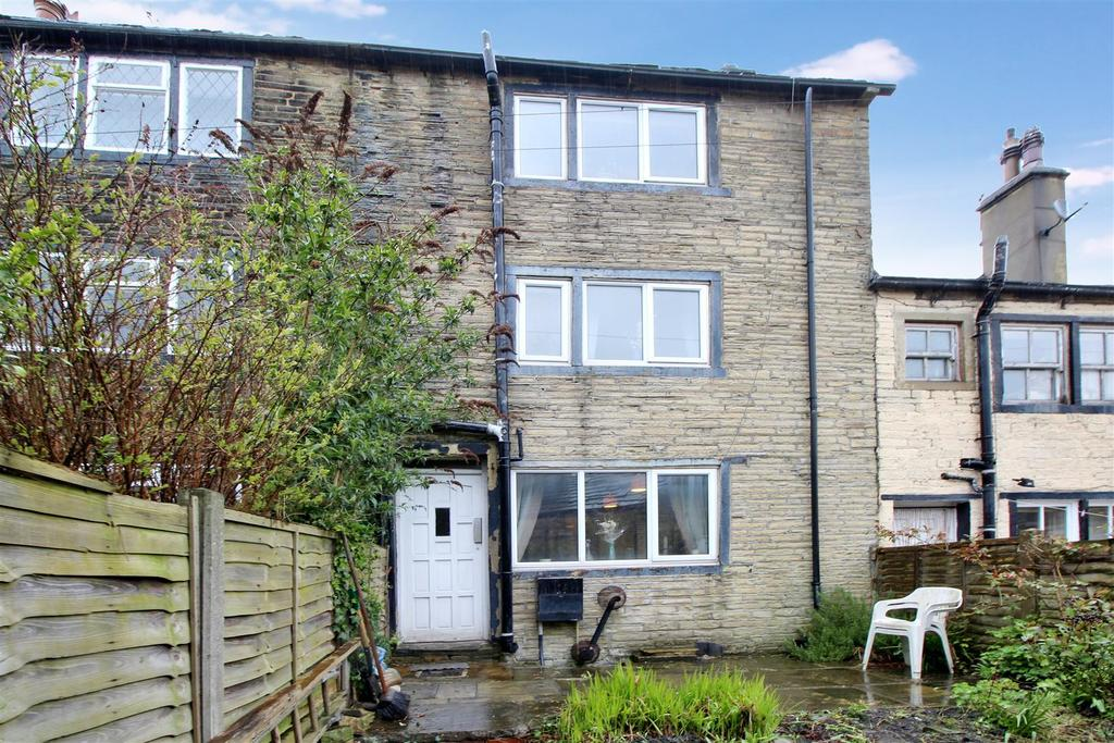 2 Bedrooms Terraced House for sale in Liversedge Row, Bradford