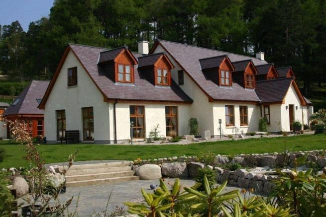 5 Bedrooms Detached House for sale in Kilburnie House, Balgowan, Newtonmore, PH20
