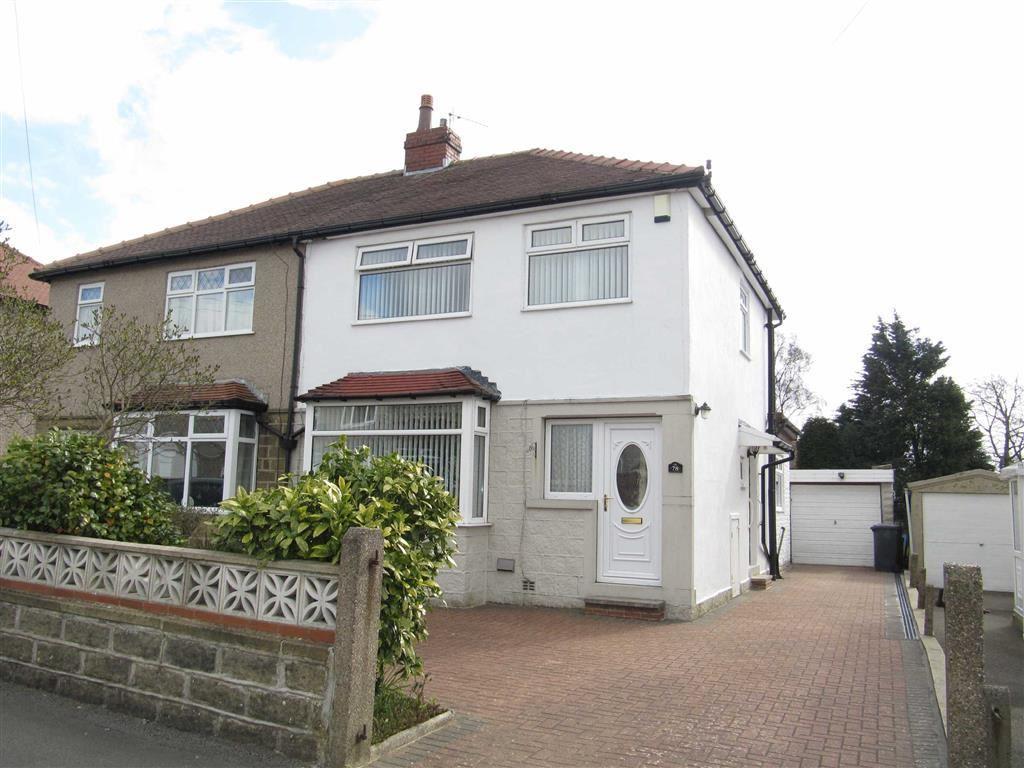 3 Bedrooms Semi Detached House for sale in Goldington Avenue, Oakes, Huddersfield, HD3