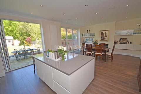 6 bedroom semi-detached house to rent - Creighton Avenue, East Finchley