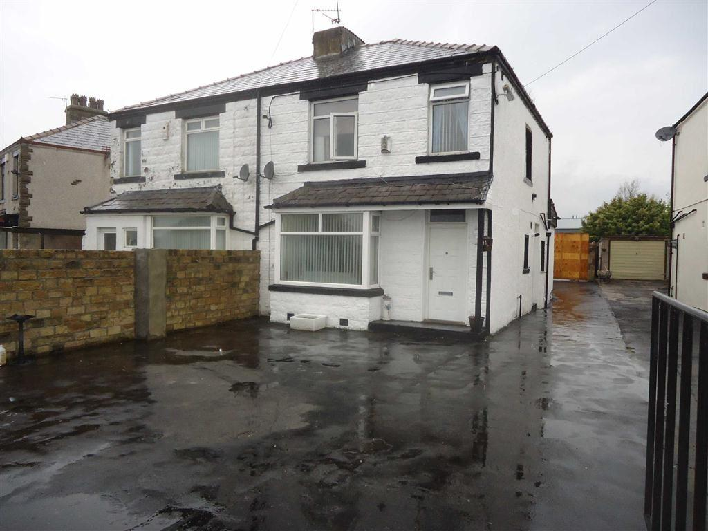3 Bedrooms Semi Detached House for sale in Reevy Avenue, Bradford, West Yorkshire, BD6
