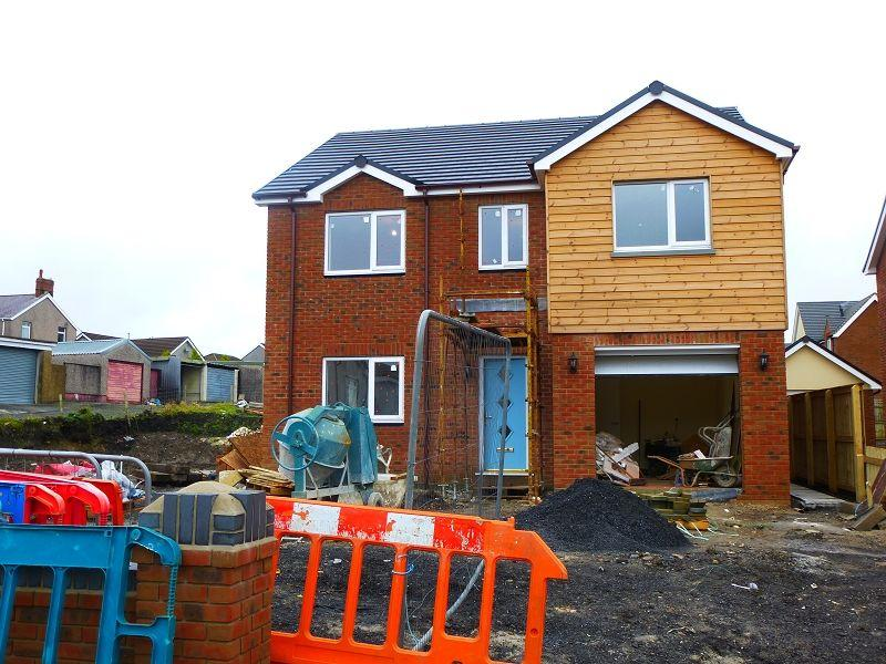 4 Bedrooms Detached House for sale in Tynewydd Terrace, Cross Hands, Llanelli, Carmarthenshire.