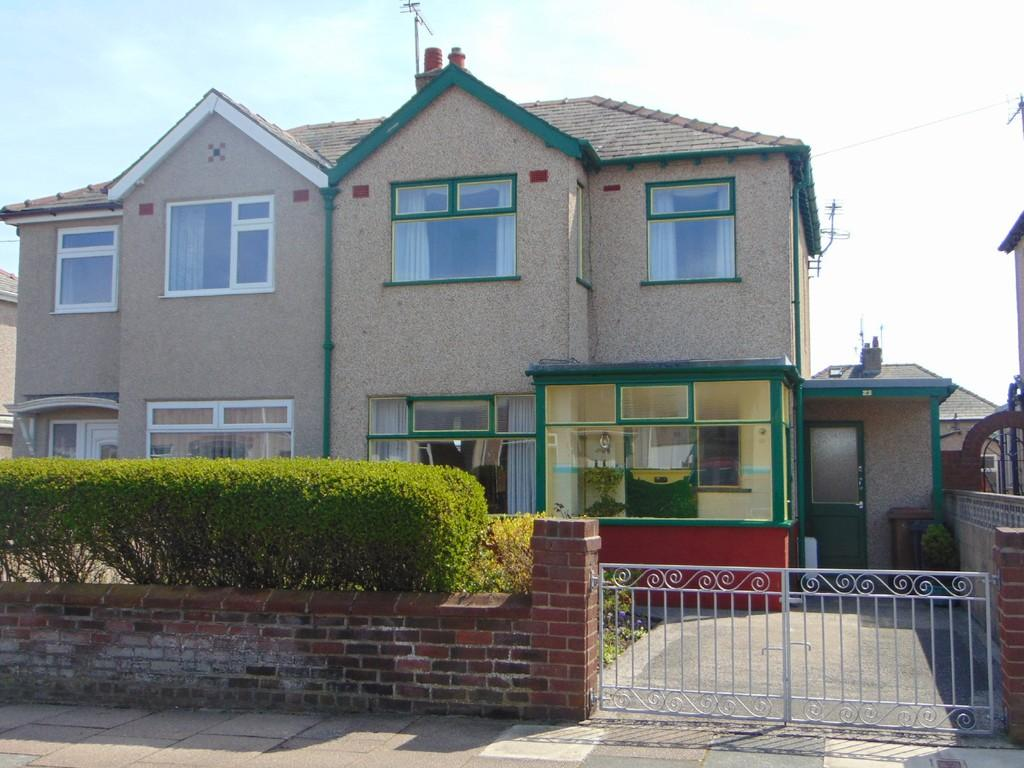 3 Bedrooms Semi Detached House for sale in 23 Strathnaver Avenue, Barrow