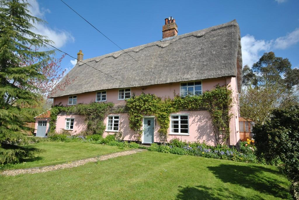 4 Bedrooms Detached House for sale in Bressingham, Norfolk