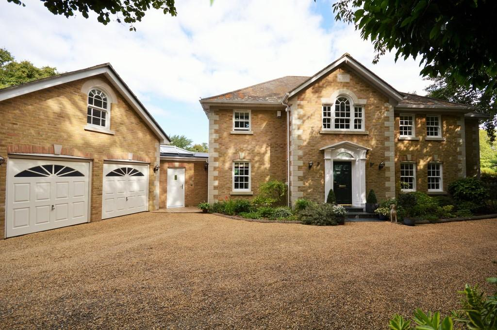 4 Bedrooms Detached House for sale in Bembridge