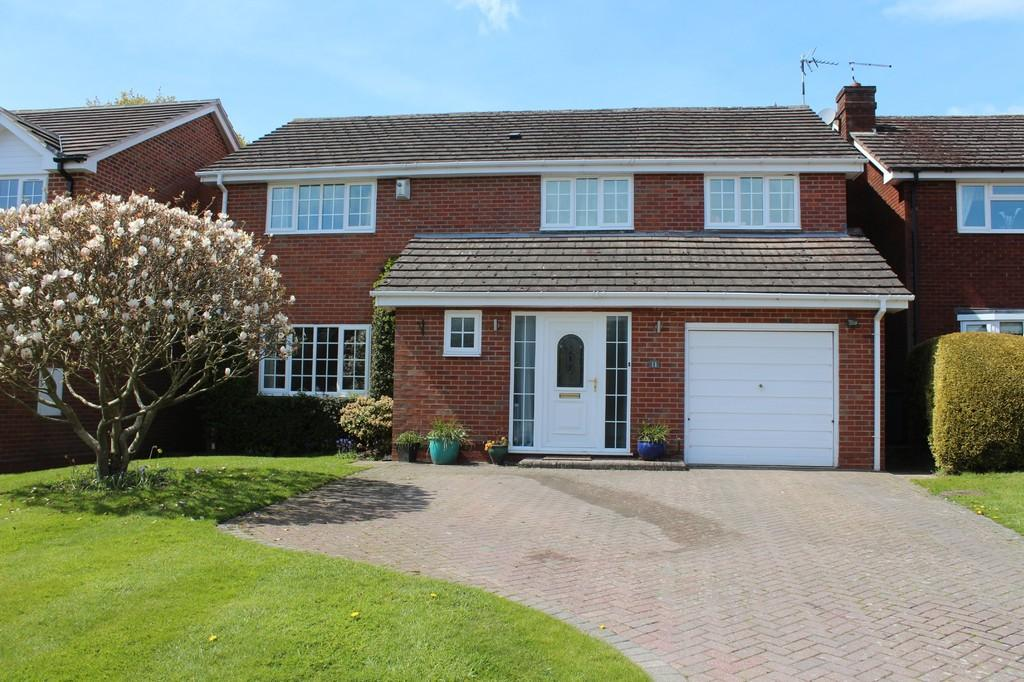 4 Bedrooms Detached House for sale in Beconsfield Close, Dorridge