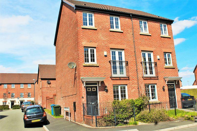 4 Bedrooms Semi Detached House for sale in Newbold Hall Drive, Rochdale