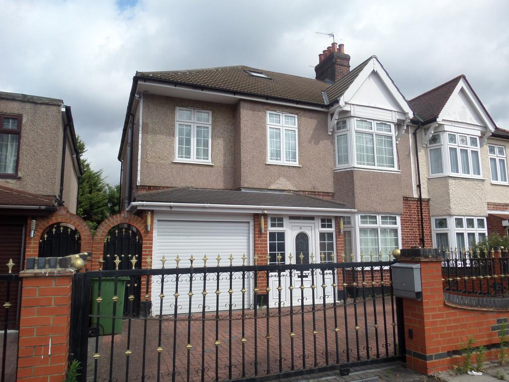 5 Bedrooms Semi Detached House for sale in Crantock Road, London