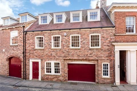 4 bedroom terraced house for sale - St. Andrewgate, York, YO1