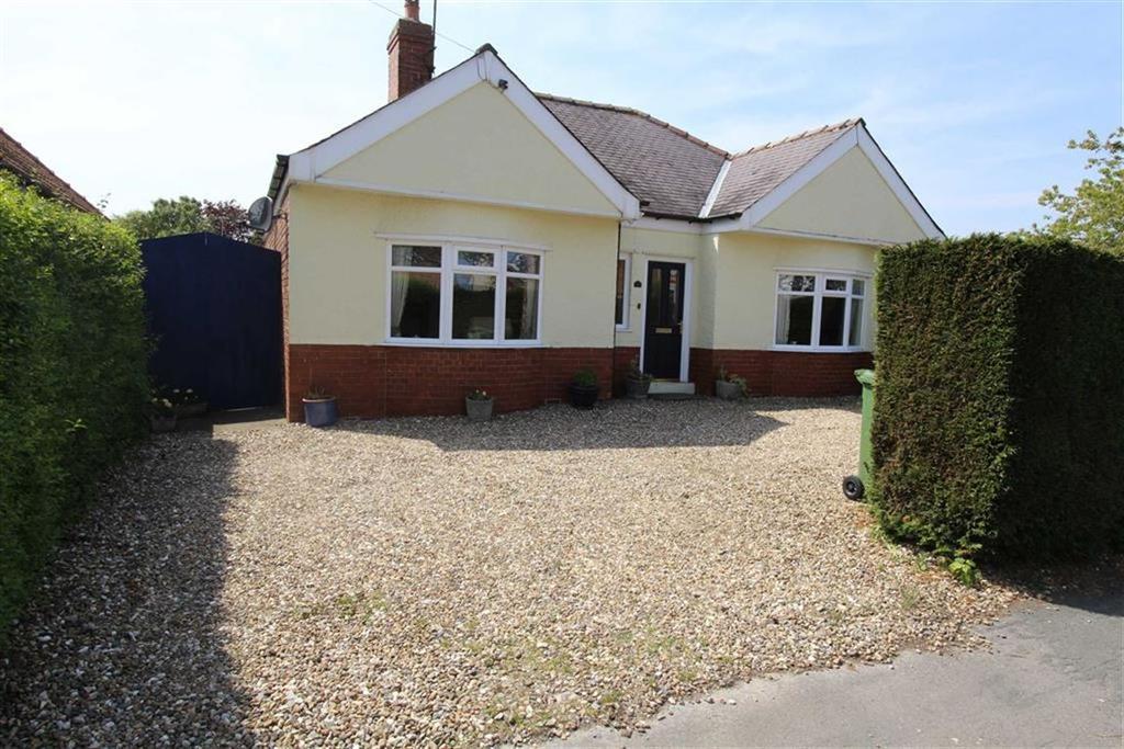 2 Bedrooms Detached Bungalow for sale in Bempton Lane, Bridlington, YO16