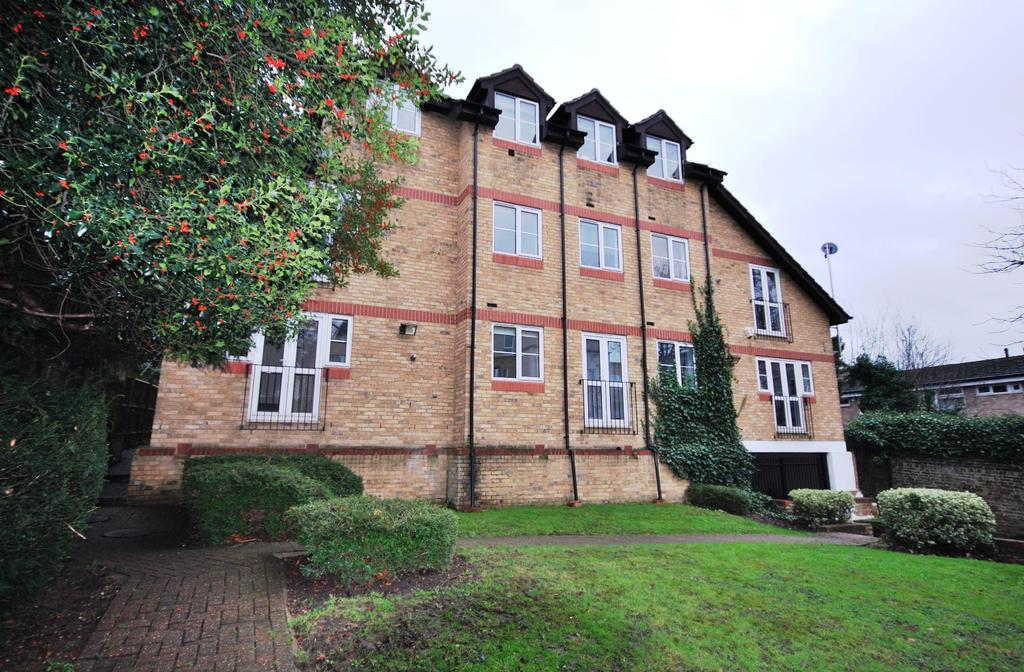 1 Bedroom Flat for sale in Stevens Close Beckenham BR3