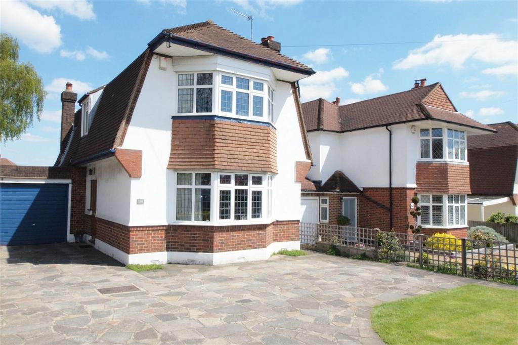 3 Bedrooms Detached House for sale in Pickhurst Lane, Hayes, Bromley, Kent