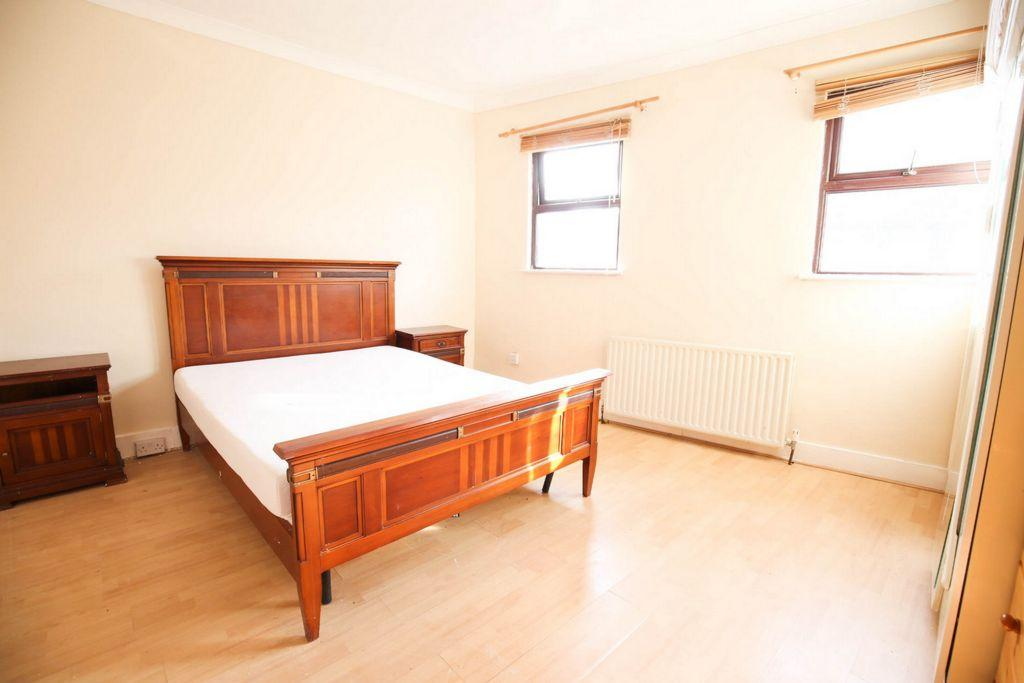 1 Bedroom House for sale in Whitehorse Road, Thornton Heath, CR0