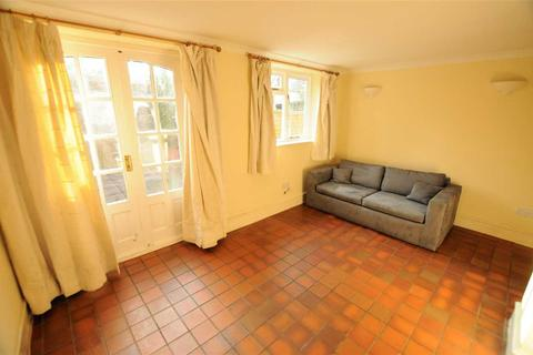 2 bedroom apartment - Paxton Road, Chiswick