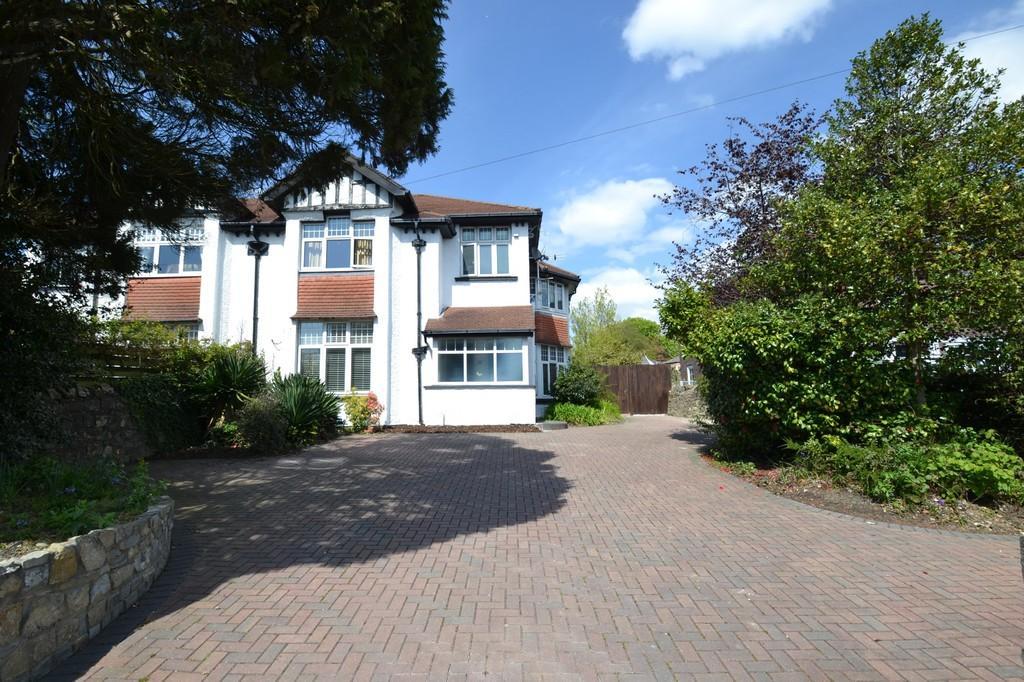 4 Bedrooms Semi Detached House for sale in 80 Park Street, Bridgend, Bridgend County Borough, Cf31 4BB.