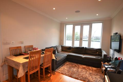 2 bedroom flat to rent - Keswick Road, Putney SW15