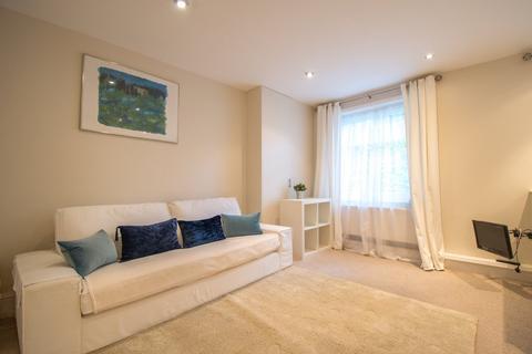 1 bedroom house share to rent - Portland Street, Cheltenham GL52 2NU