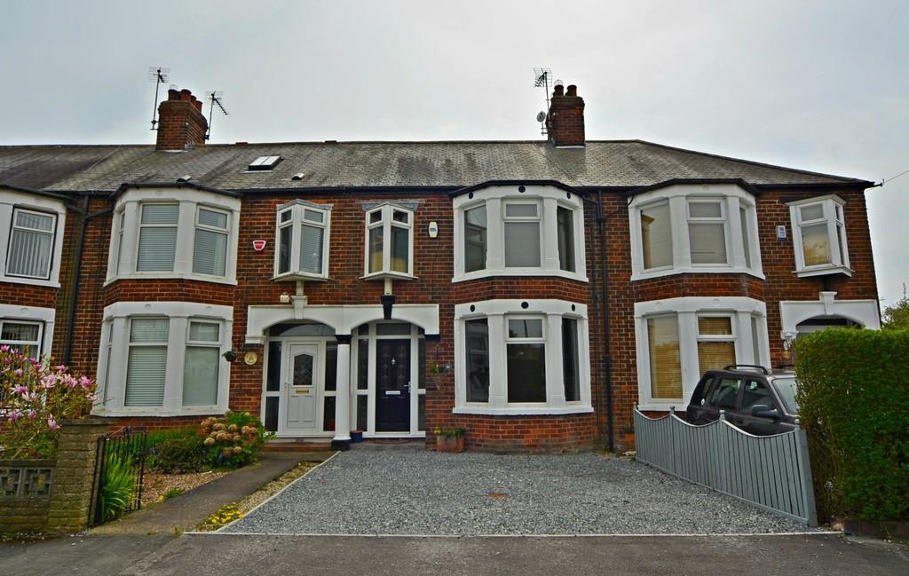 3 Bedrooms Terraced House for rent in 61 Huntley Drive, Hull