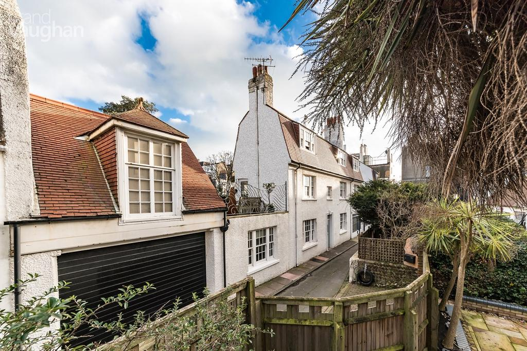 4 Bedrooms Terraced House for sale in Marine Gardens, Brighton, BN2