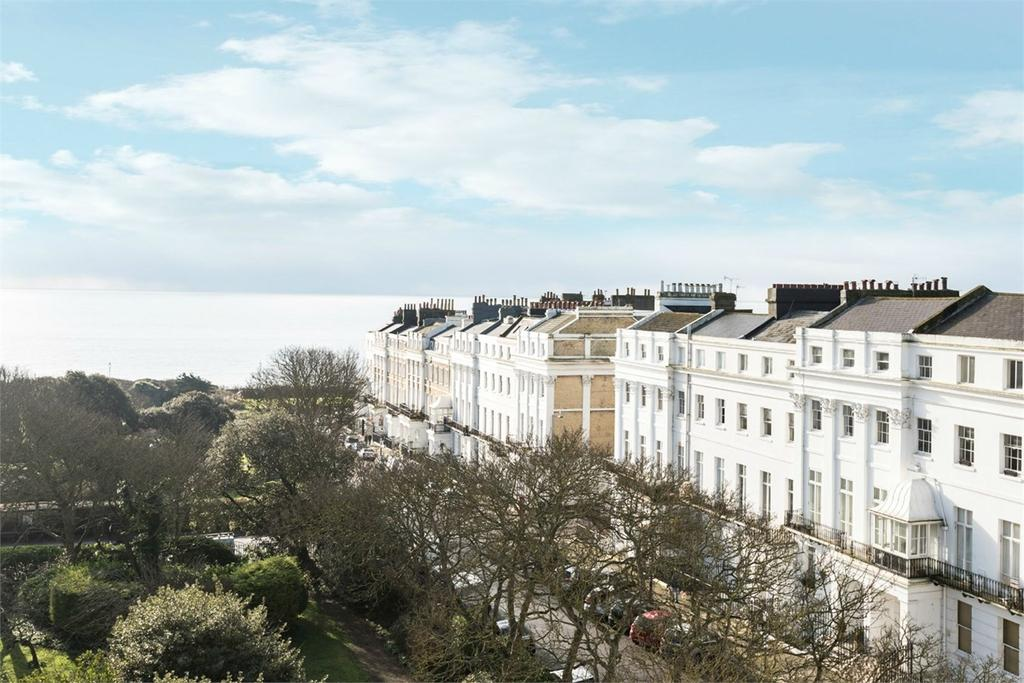 2 Bedrooms Apartment Flat for sale in Sussex Square, Brighton, BN2