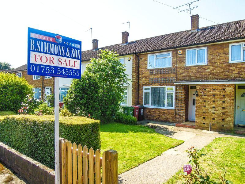 2 Bedrooms Terraced House for sale in Randolph Road, Langley