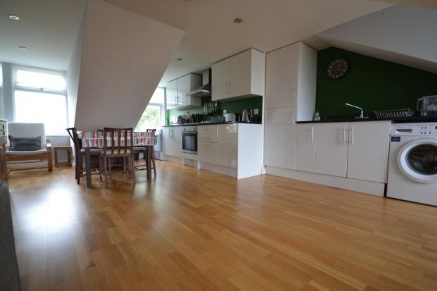 3 Bedrooms Apartment Flat for sale in Albans Close 14 Leigham Court Road, London, SW16