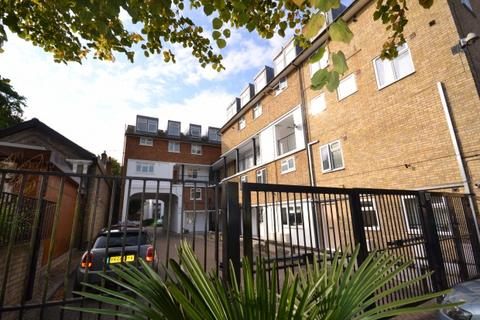 3 bedroom apartment for sale - Albans Close 14 Leigham Court Road,  London, SW16