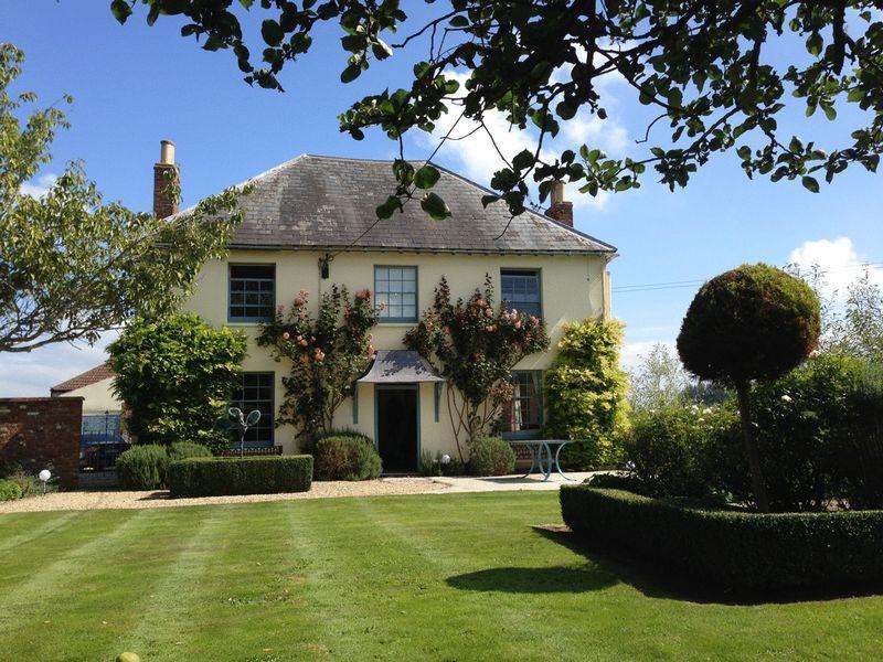 5 Bedrooms Detached House for sale in GODNEY - Between Wells, Glastonbury and Wedmore.
