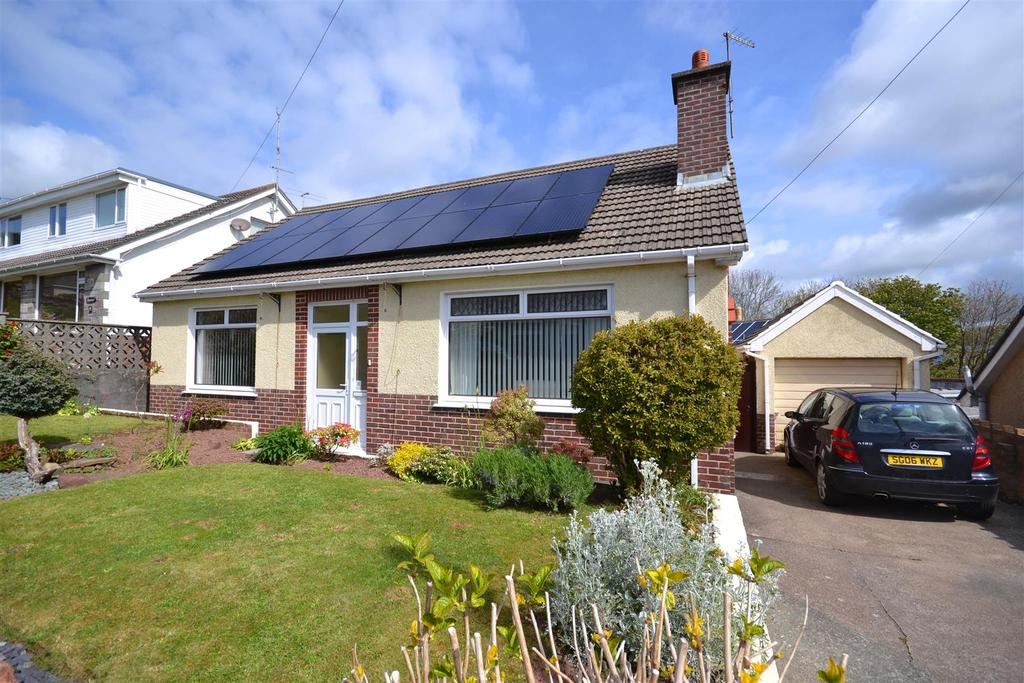 4 Bedrooms Detached Bungalow for sale in Milford Haven