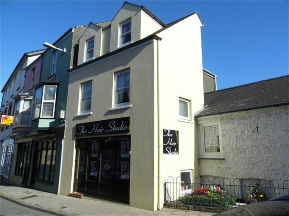 2 Bedrooms Town House for sale in 4 West Street, Fishguard, Pembrokeshire
