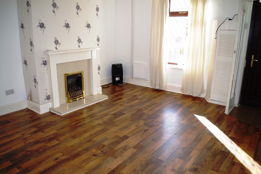 2 Bedrooms Terraced House for sale in Lee Street