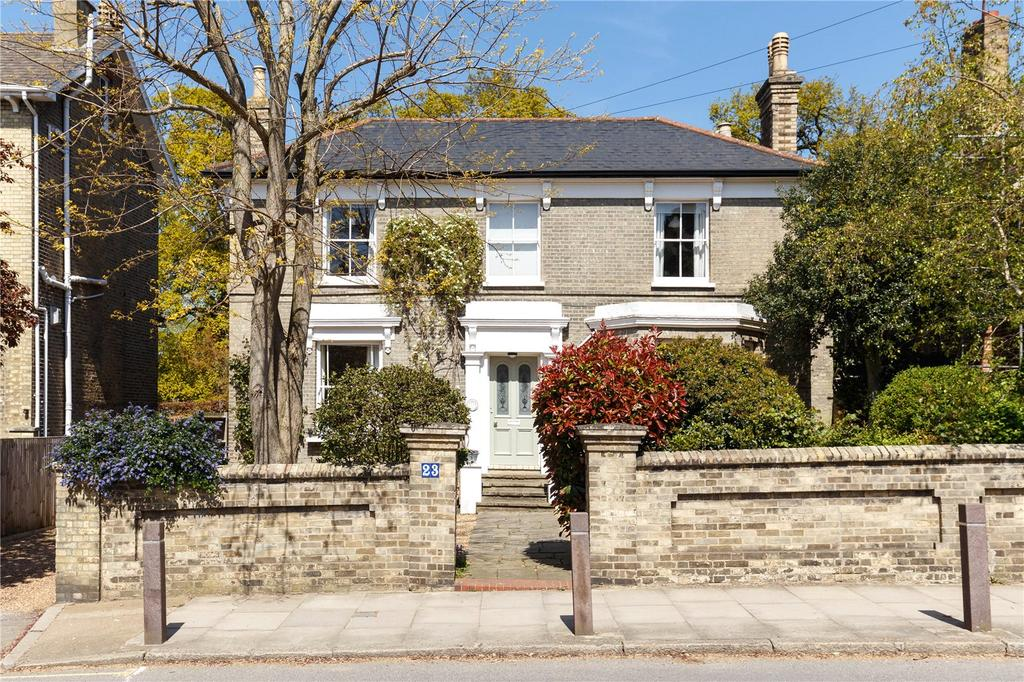 4 Bedrooms Detached House for sale in Liverpool Road, Kingston upon Thames, Surrey, KT2