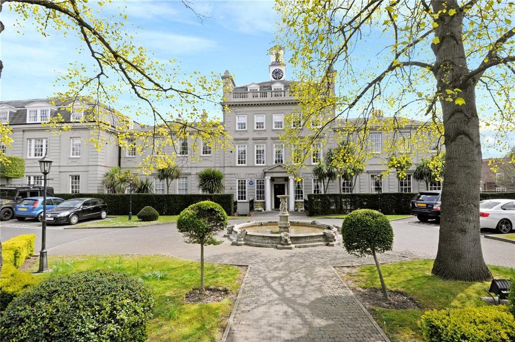 2 Bedrooms Penthouse Flat for sale in Sandown House, 1 High Street, Esher, Surrey, KT10