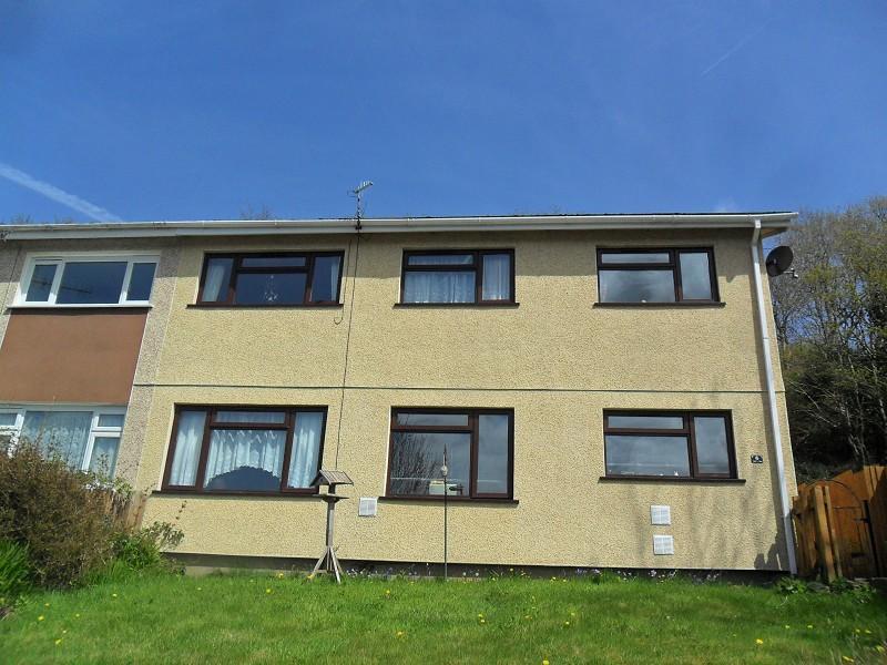 3 Bedrooms Semi Detached House for sale in Ael Y Fro Pontardawe, Swansea.