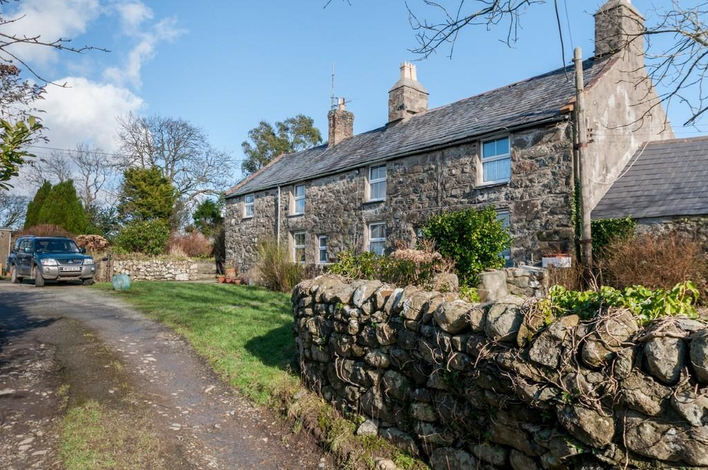 4 Bedrooms Farm House Character Property for sale in Chwilog, Pwllheli, North Wales