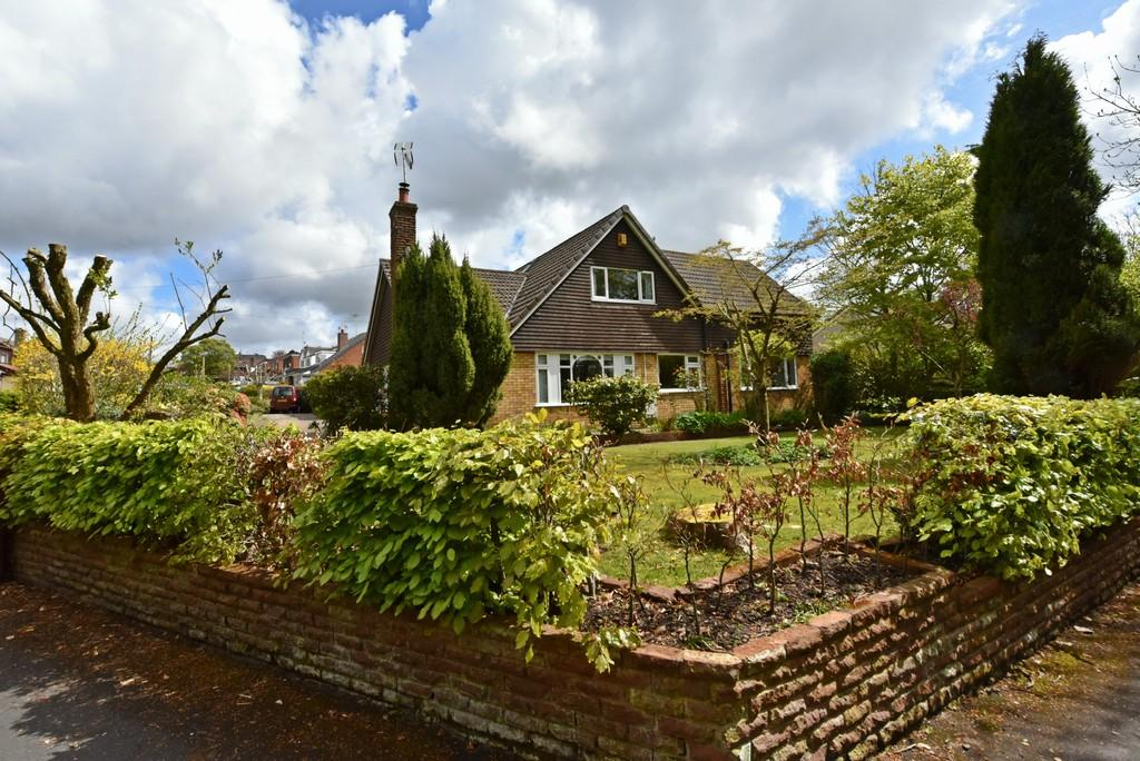 6 Bedrooms Detached House for sale in Winifred Lane, Aughton