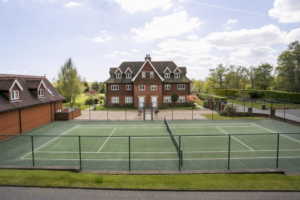 4 Bedrooms Apartment Flat for sale in Springwood Park
