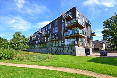 1 bedroom apartment to rent - The Steel Building, Kingfisher Way, Cambridge, Cambridgeshire, CB2
