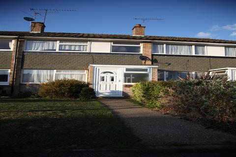 3 bedroom detached house to rent - Walk to the Station. . .