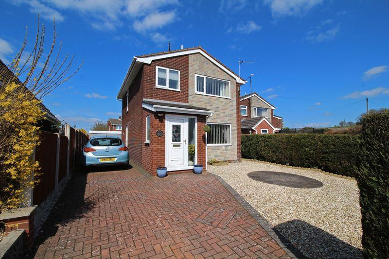 3 Bedrooms Detached House for sale in Crogen, Wrexham