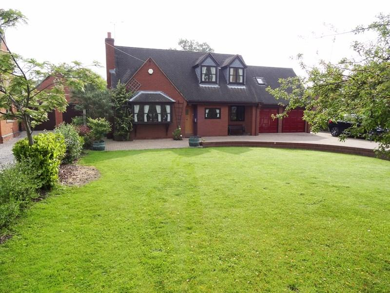 4 Bedrooms Detached House for sale in Sarn Road, Malpas