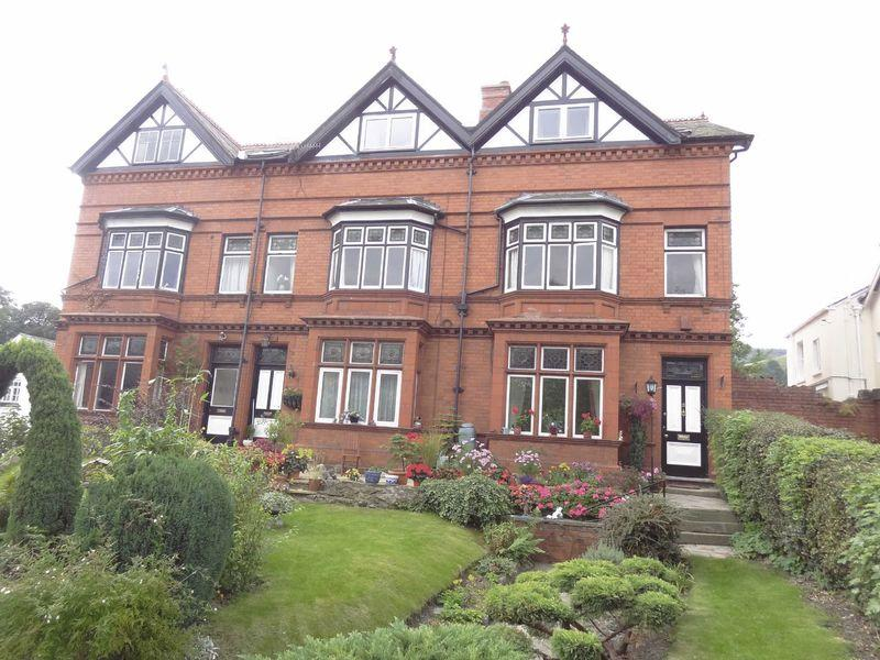 6 Bedrooms House for sale in Arfryn Villas, Hill Street, Llangollen