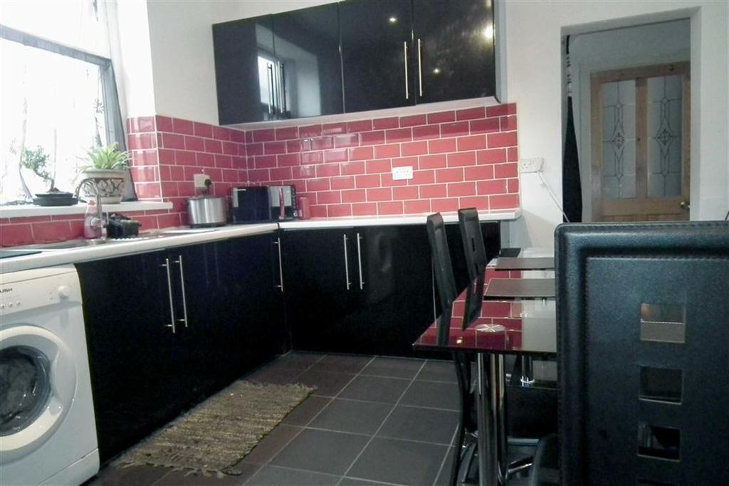 4 Bedrooms Terraced House for sale in Grey Street, Burnley, Lancashire