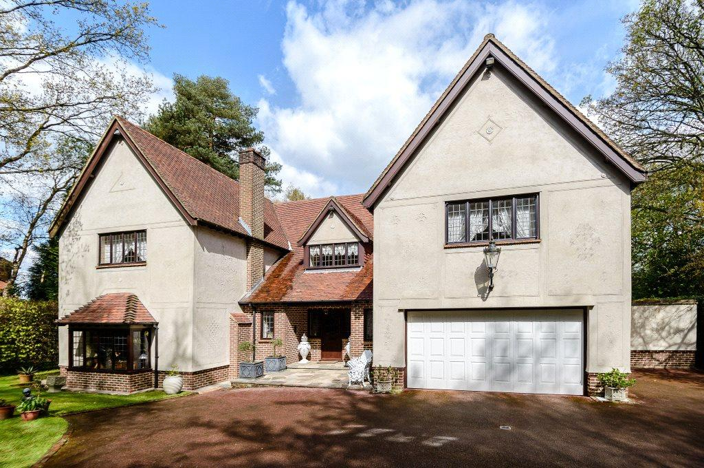 4 Bedrooms Detached House for sale in Manor Road, High Beech, Loughton, Essex, IG10