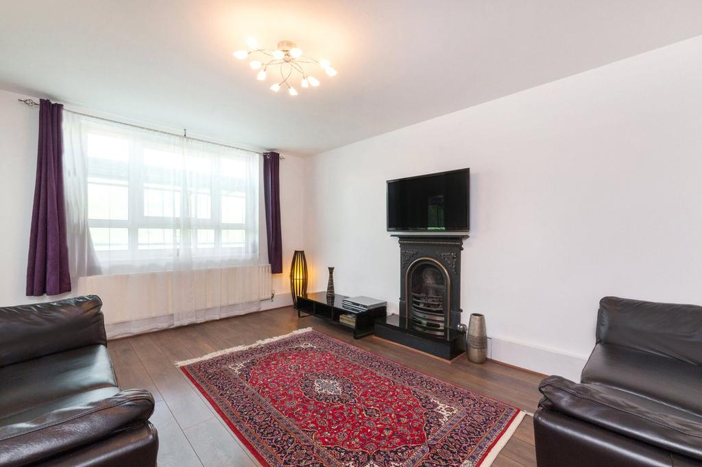 4 Bedrooms Flat for sale in Linnell House, Boundary Road, London