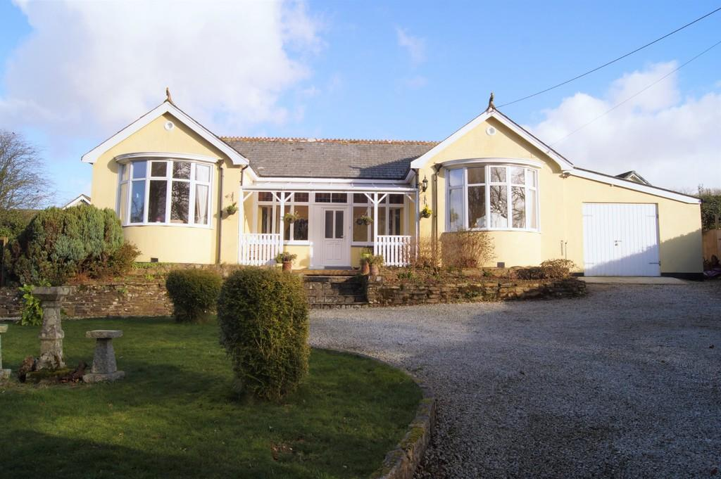2 Bedrooms Detached Bungalow for sale in Dousland