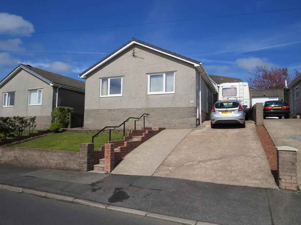 3 Bedrooms Detached Bungalow for sale in Cross Lane, Whitehaven, Cumbria