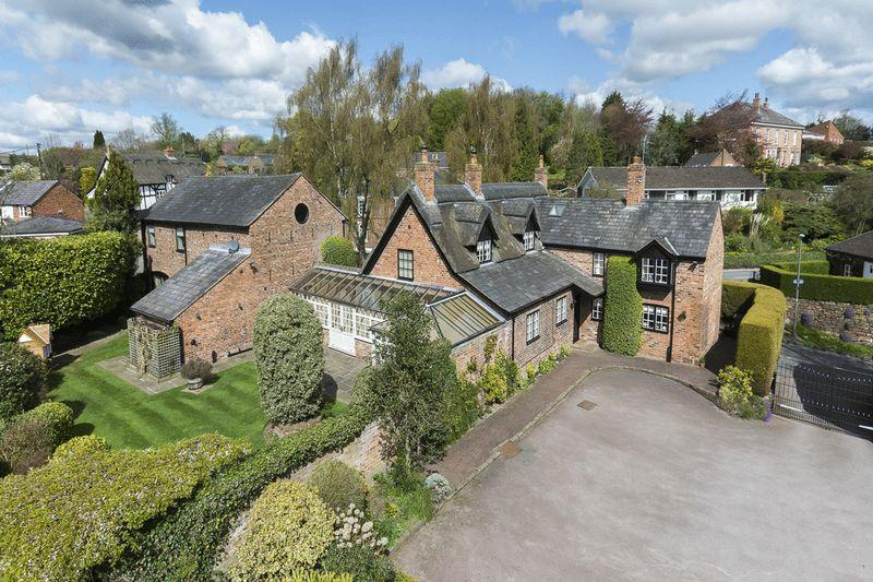 5 Bedrooms Detached House for sale in Eaton, Nr Tarporley
